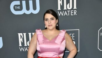 beanie-feldstein-in-lela-rose-2020-critics-choice-awards