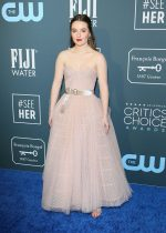 Kaitlyn Dever In Christian Dior Couture @ 2020 Critics' Choice Awards