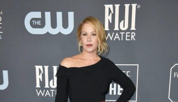 christina-applegate-in-christian-siriano-2020-critics-choice-awards