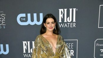 anne-hathaway-in-atelier-versace-2020-critics-choice-awards
