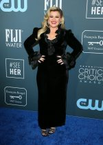 Kelly Clarkson  In Alessandra Rich @  2020 Critics' Choice Awards