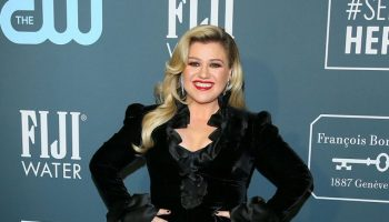 kelly-clarkson-in-alessandra-rich-2020-critics-choice-awards