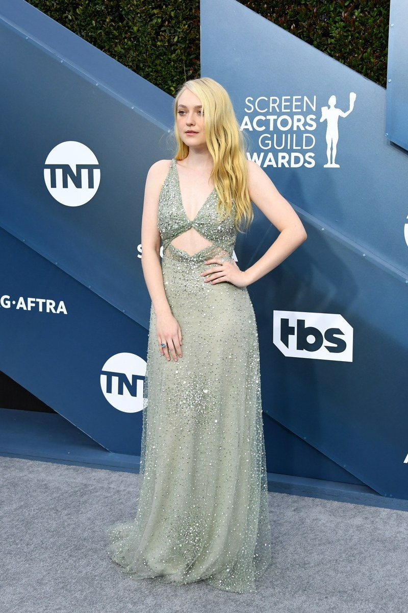 dakota-fanning-in-valentino-2020-sag-awards