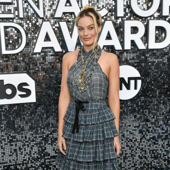 margot-robbie-in-chanel-2020-sag-awards