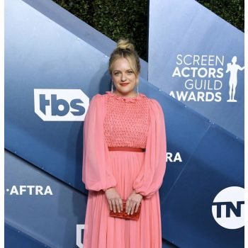 elisabeth-moss-in-monique-lhuillier-2020-sag-awards