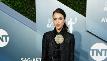margaret-qualley-in-chanel-2020-sag-awards