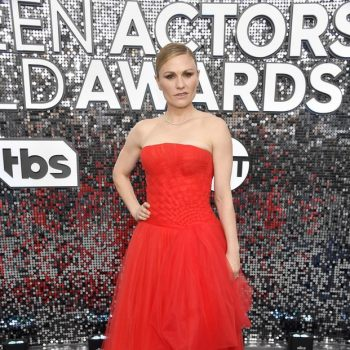 anna-paquin-in-carolina-herrera-2020-sag-awards