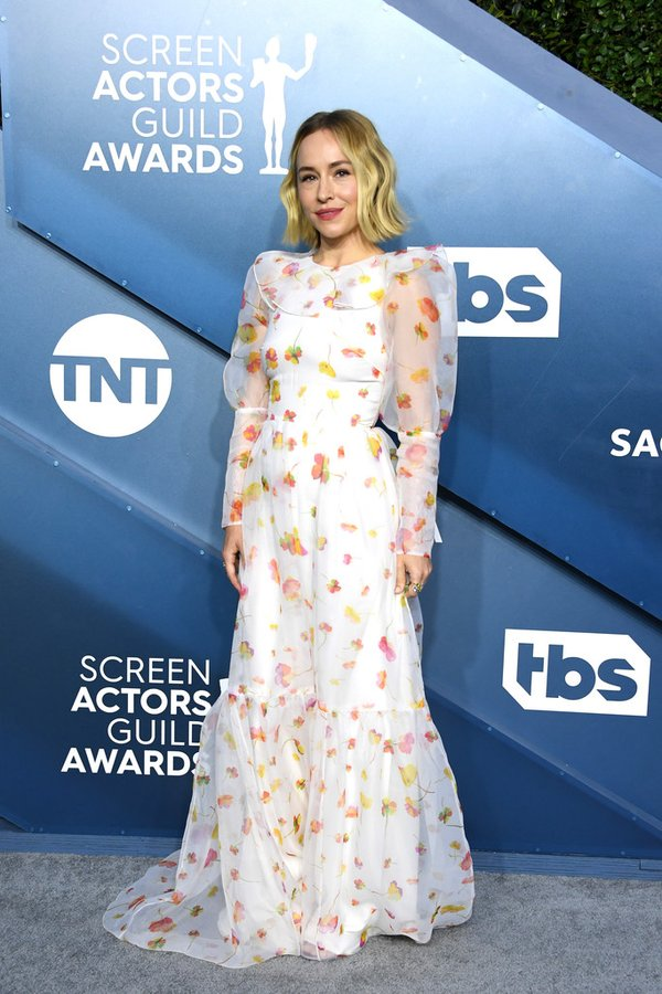 sarah-goldberg-in-monique-lhuillier-2020-sag-awards