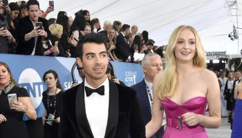 joe-jonas-in-boss-tuxedo-2020-screen-actors-guild-award