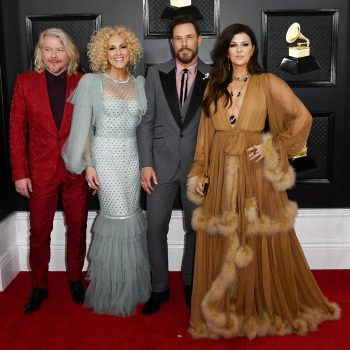 phillip-sweet-kimberly-schlapman-karen-fairchild-jimi-westbrook-in-dg-e-2020-grammy-awards