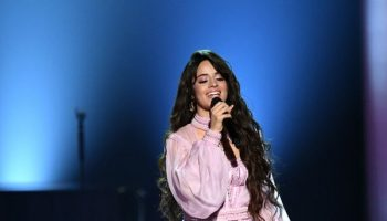 camila-cabello-in-atelier-versace-performing-2020-grammy-awards