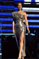 Alicia Keys  In Atelier Versace  Hosting @ 2020 Grammy Awards
