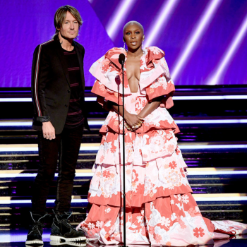 cynthia-erivo-in-valentino-haute-couture-2020-grammy-awards
