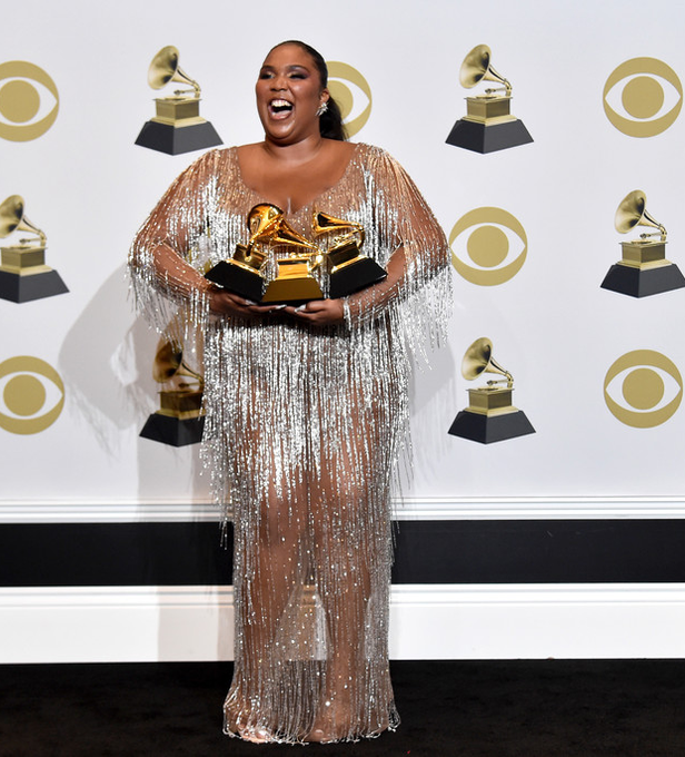 lizzo-in-atelier-versace-gown-2020-grammy-awards