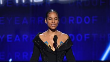 alicia-keys-in-atelier-versace-bodysuit-hosting-2020-grammy-awards