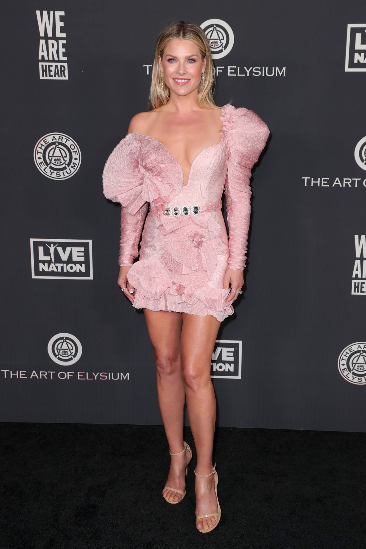 ali-larter-in-raisa-vanessa-the-art-of-elysiums-13th-annual-heaven-gala