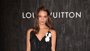 alicia-vikander-in-louis-vuitton-the-sewelo-dinner