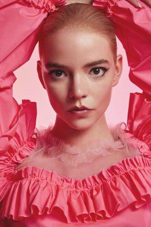 anya-taylor-joy-stars-in-viktor-rolf-flowerbomb-fragrance-2020