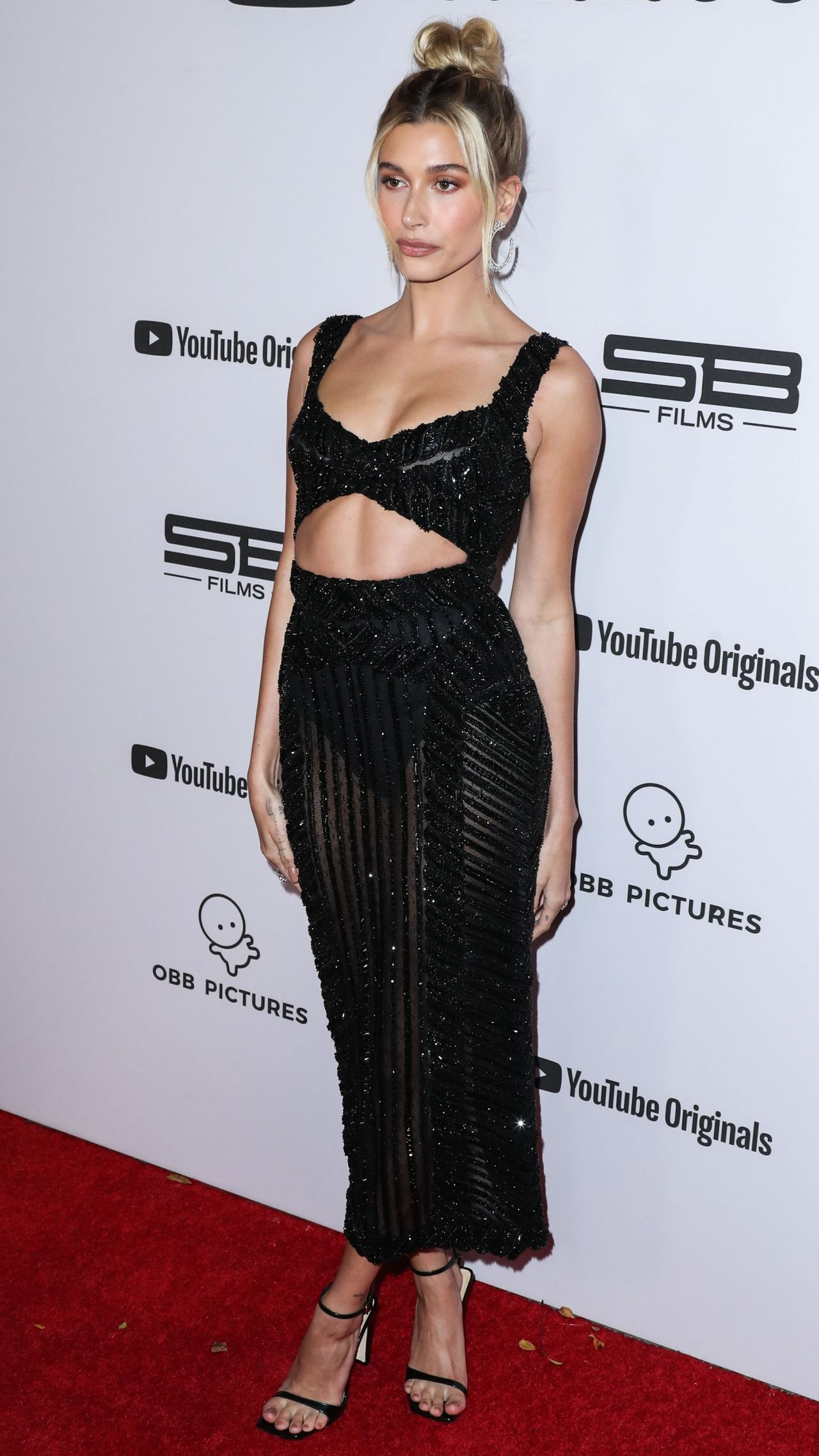 hailey-bieber-in-zuhair-murad-couture-youtube-originals-premiere-of-justin-bieber-seasons