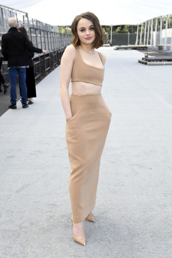 joey-king-in-paris-georgia-2020-screen-actors-guild-awards-silver-carpet-roll-out-event-in-la