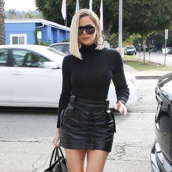 khloe-kardashian-dressed-in-black-arrives-at-villa-in-woodland-hills