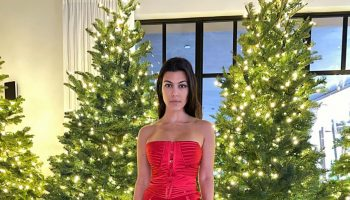 kourtney-kardashians-in-gucci-christmas-party-2019