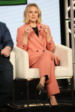 Kristen Bell  In Suit @  2020 Winter TCA Tour in Pasadena