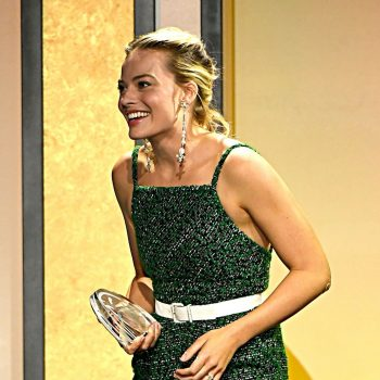 margot-robbie-in-chanel-2020-producers-guild-awards