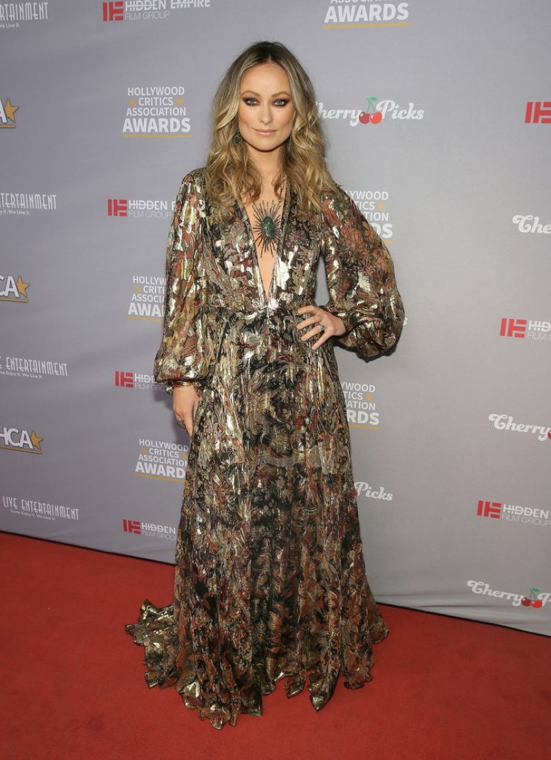 olivia-wilde-in-etro-hollywood-critics-awards-2020