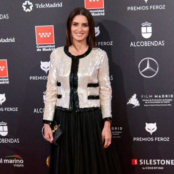 penelope-cruz-in-chanel-haute-couture-the-2020-feroz-awards