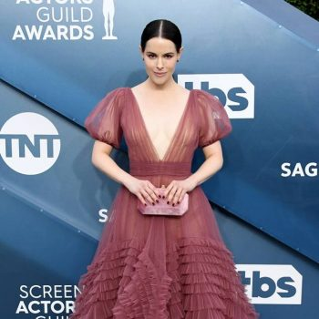 emily-hampshire-in-j-mendel-2020-sag-awards
