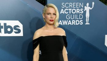 michelle-williams-in-louis-vuitton-2020-sag-awards