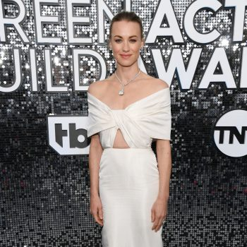 yvonne-strahovski-in-khyeli-2020-screen-actors-guild-awards