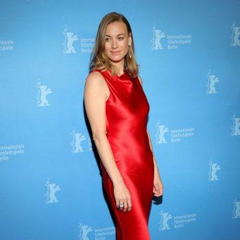 yvonne-strahovski-in-etro-stateless-berlinale-film-festival-premiere