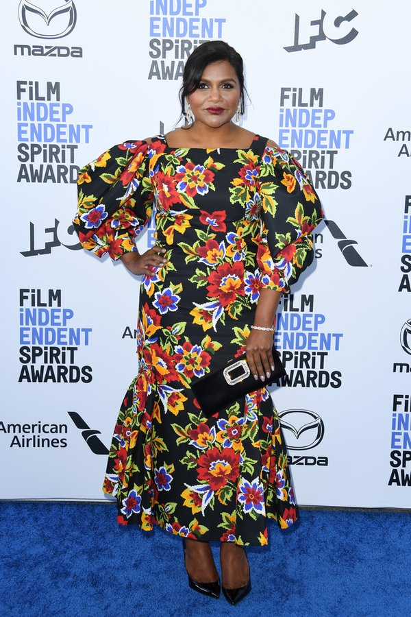 mindy-kaling-in-carolina-herrera-2020-film-independent-spirit-awards