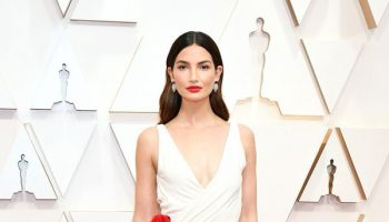 lily-aldridge-in-ralph-lauren-2020-oscars