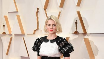 lucy-boynton-in-chanel-2020-oscars