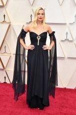 Margot Robbie  In Chanel @   2020 Oscars