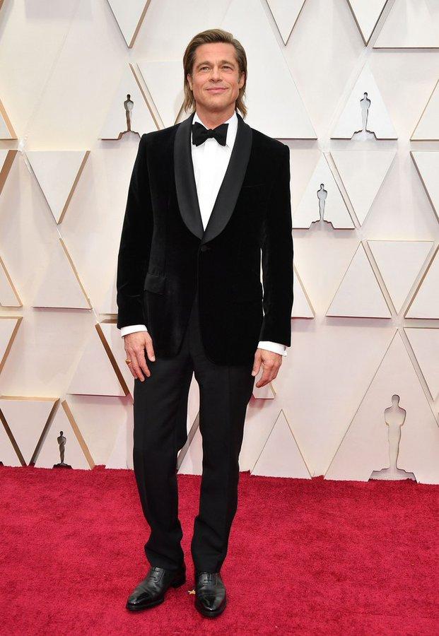 brad-pitt-in-brioni-tuxedo-2020-academy-oscars