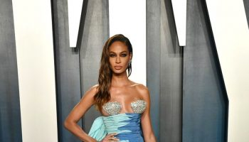 joan-smalls-in-schiaparelli-couture-2020-vanity-fair-oscar-party