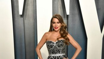 sofia-vergara-wore-a-dg-crystal-embellished-mermaid-gown-joe-manganiello-wore-an-ermenegildozegna-made-to-measure-tuxedo-to-the-2020-vanity-fair-oscar-party-oscars2020-oscars-theoscars