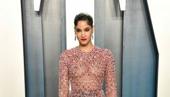 sofia-boutella-in-valentino-2020-vanity-fair-oscar-party