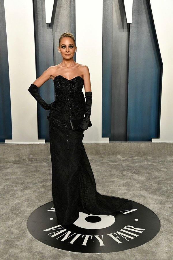 nicole-richie-in-etro-couture-2020-vanity-fair-oscar-party