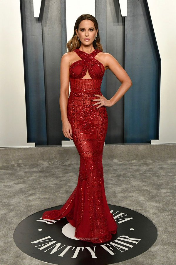 kate-beckinsale-in-zuhair-murad-2020-vanity-fair-oscar-party