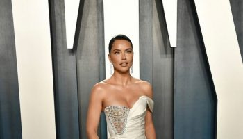 adriana-lima-in-ralph-russo-couture-2020-vanity-fair-oscar-party