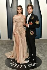 Barbara Palvin &  Dylan Sprouse  In Atelier Versace @ 2020 Vanity Fair Oscar Party.