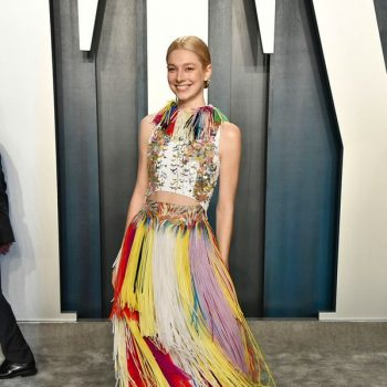 hunter-schafer-in-givenchy-2020-vanity-fair-oscar-party