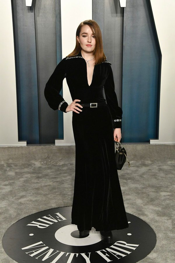 kaitlyn-dever-in-pierre-balmain-2020-vanity-fair-oscar-party