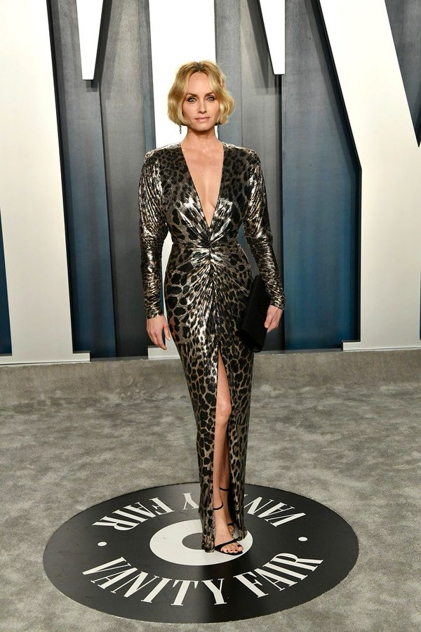 amber-valletta-in-saint-laurent-2020-vanity-fair-oscar-party