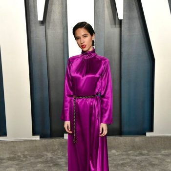 kelsey-asbille-in-louis-vuitton-2020-vanity-fair-oscar-party